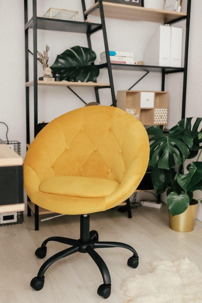 Idealny fotel w domowym biurze