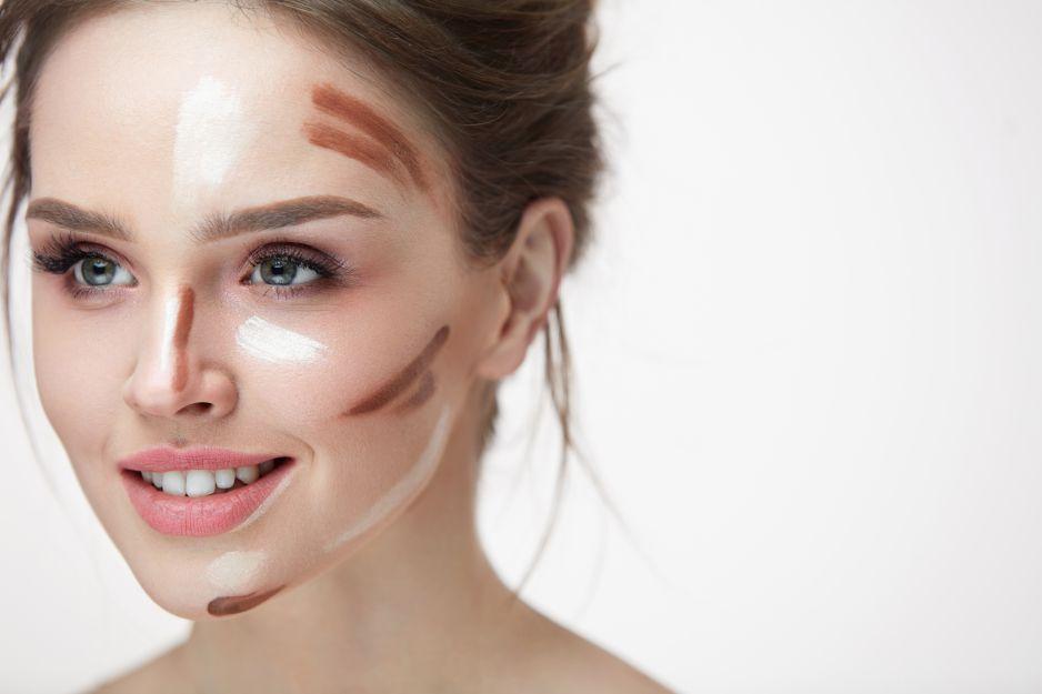 konturowanie twarzy - aplikacja produktów